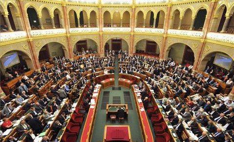 Nyugodt év után csendes év vége a jogalkotásban