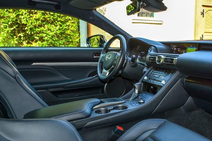 Lexus RC 300h Luxury