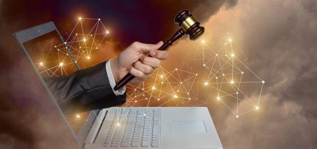 A brit bíróságoknak javítaniuk kell az időszerűségen