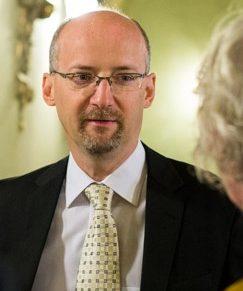 Négyszemközt a III. Wolters Kluwer Versenyjogi Konferencia előadóival – Portré Dr. Tóth Tihamérról