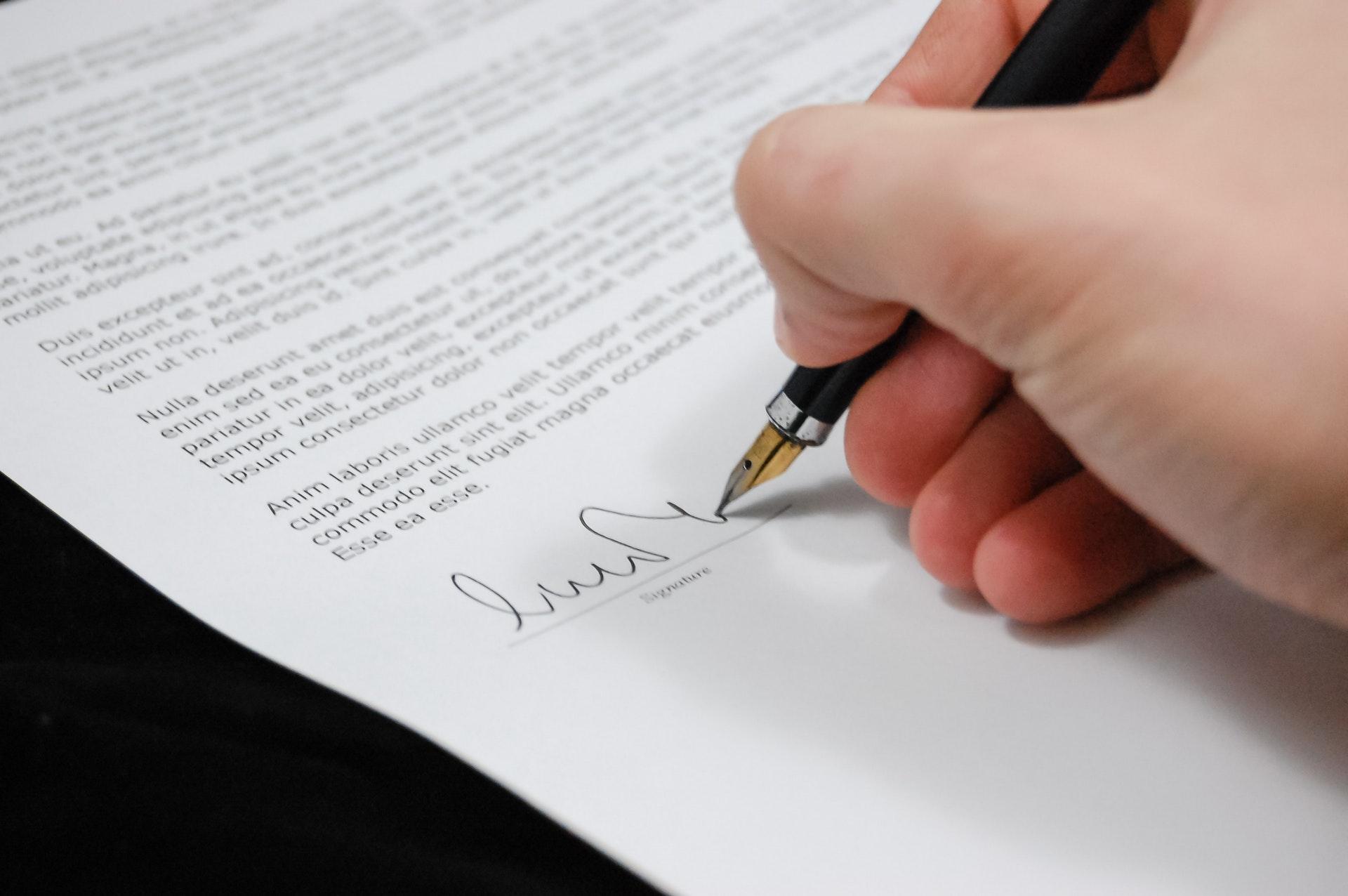 Karrierutazás jogász diplomával X. – Középpontban a közjegyzők