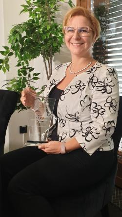 Dr. Csorbai Hajnalka az Év Női Vezetője díjjal