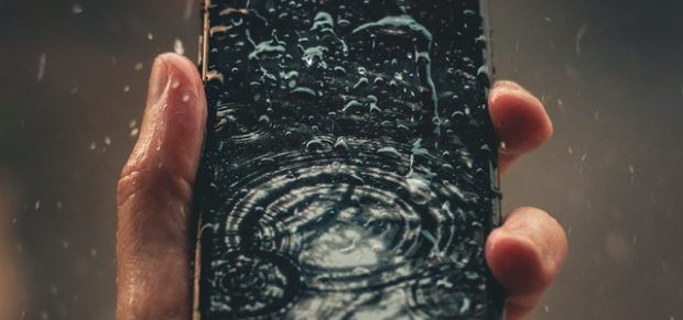 Mégsem vízálló az iPhone?