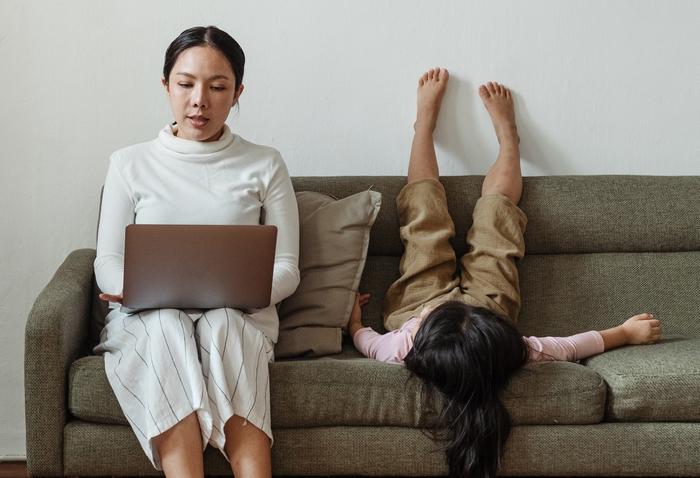 Home office, otthon munka, online munkavégzés
