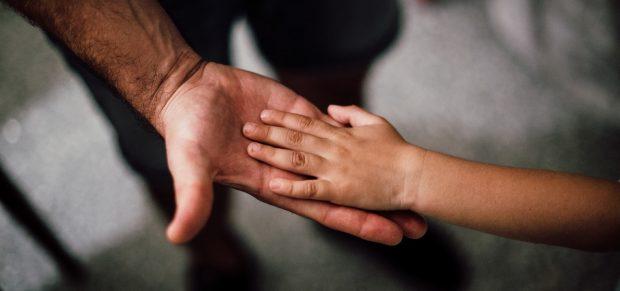 Könnyebb lesz hozzájutni a gyermektartásdíjhoz az egyszülős családoknak