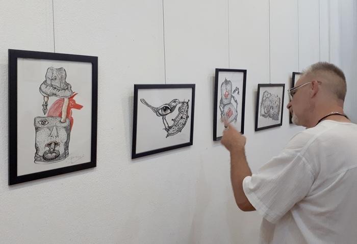 Szerényi Gábor grafikusművész kiállítása a Duna Palotában